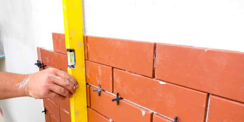 Gevel isoleren  isolatie met steenstrips   Verbouw Prijzen
