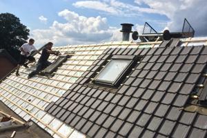 goedkoper dak renoveren: plaats een overzetdak